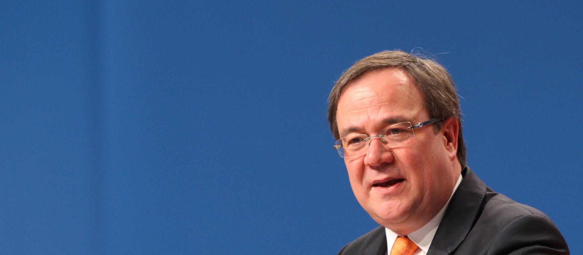 Ministerpräsident Laschet: Habe Papst Franziskus nach NRW eingeladen