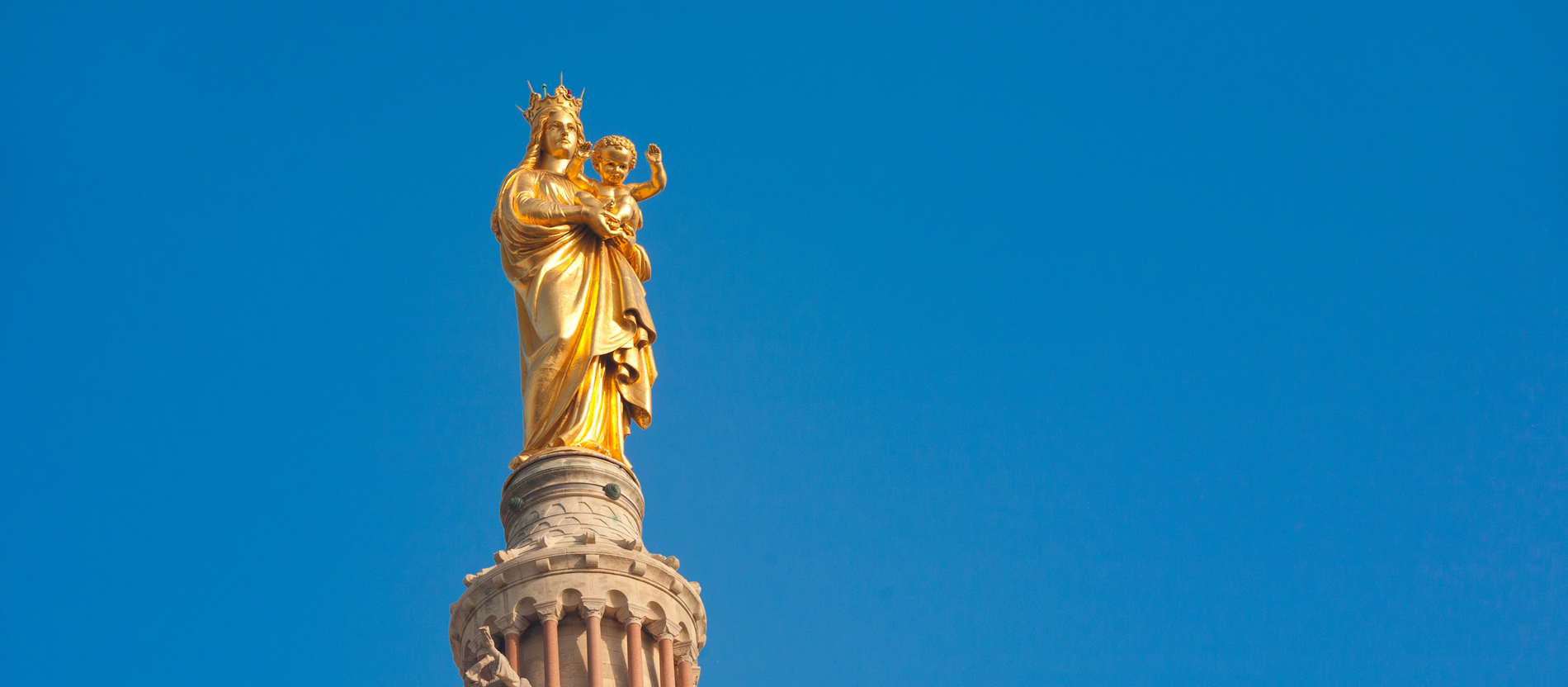 Die Gottesmutter erscheint im französischen Pontmain