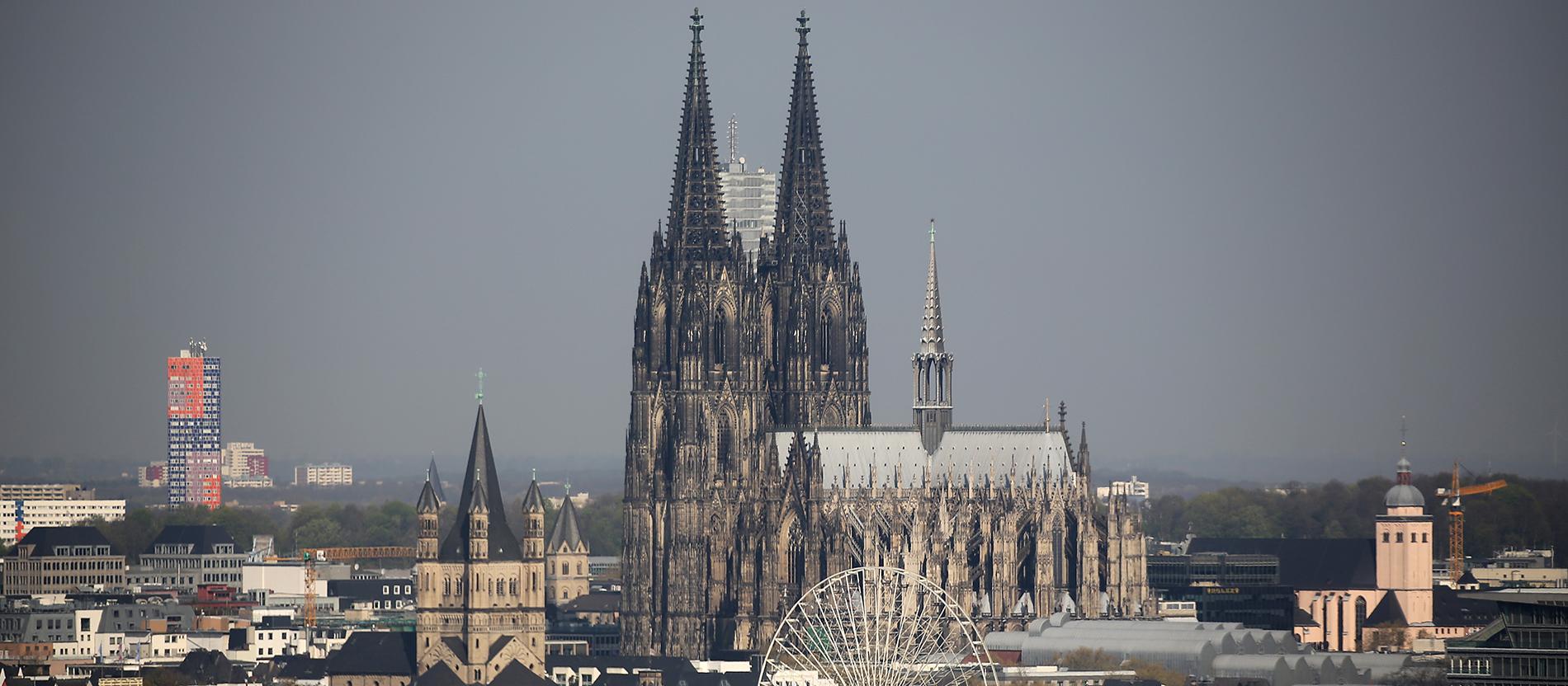 Kolner Dom Ein Jahrhundertprojekt Und Die Vollkommene Kathedrale Katholisch De