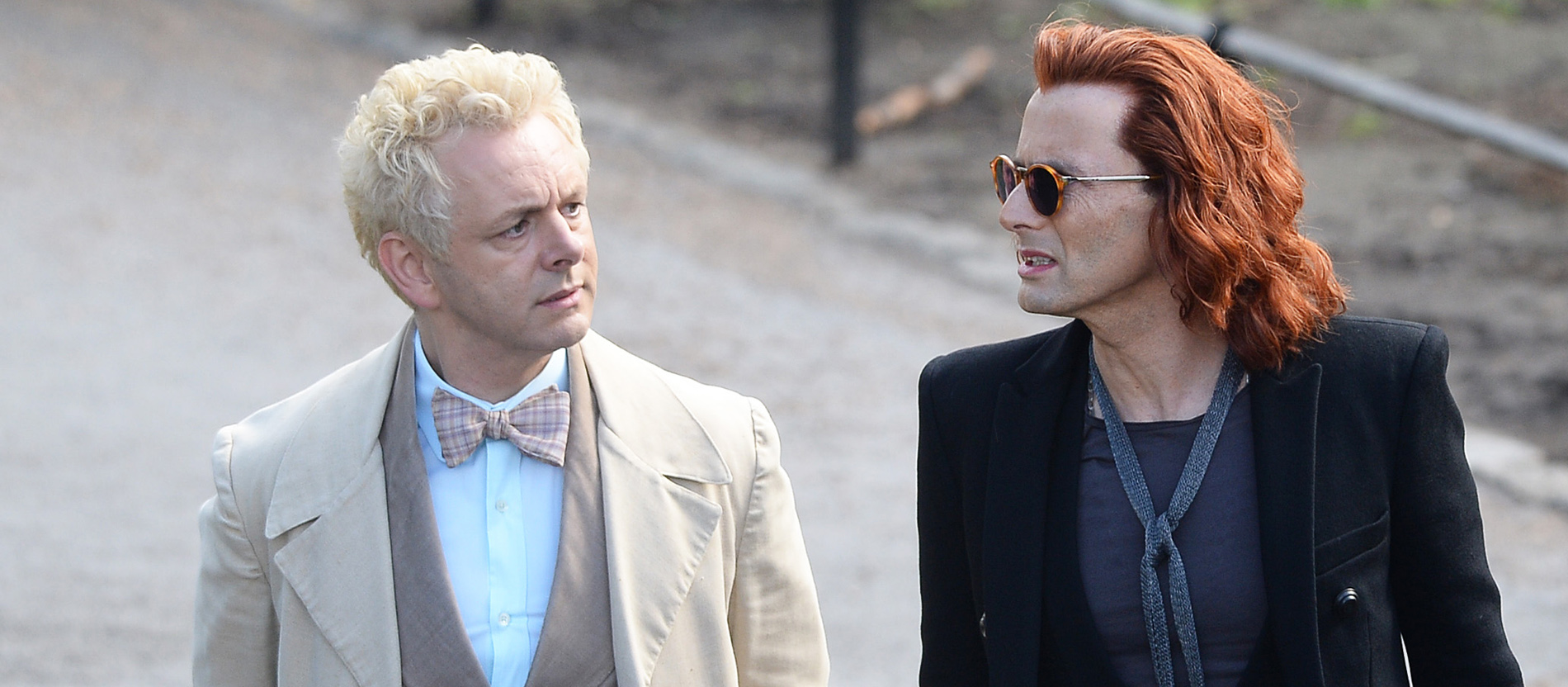 "Michael Sheen und David Tennant als Engel und Dämon in der TV-Serie ""Good Omens""."