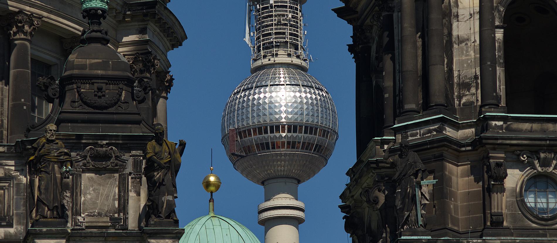 fotolia_86663151_berlin_fernsehturm_dom.