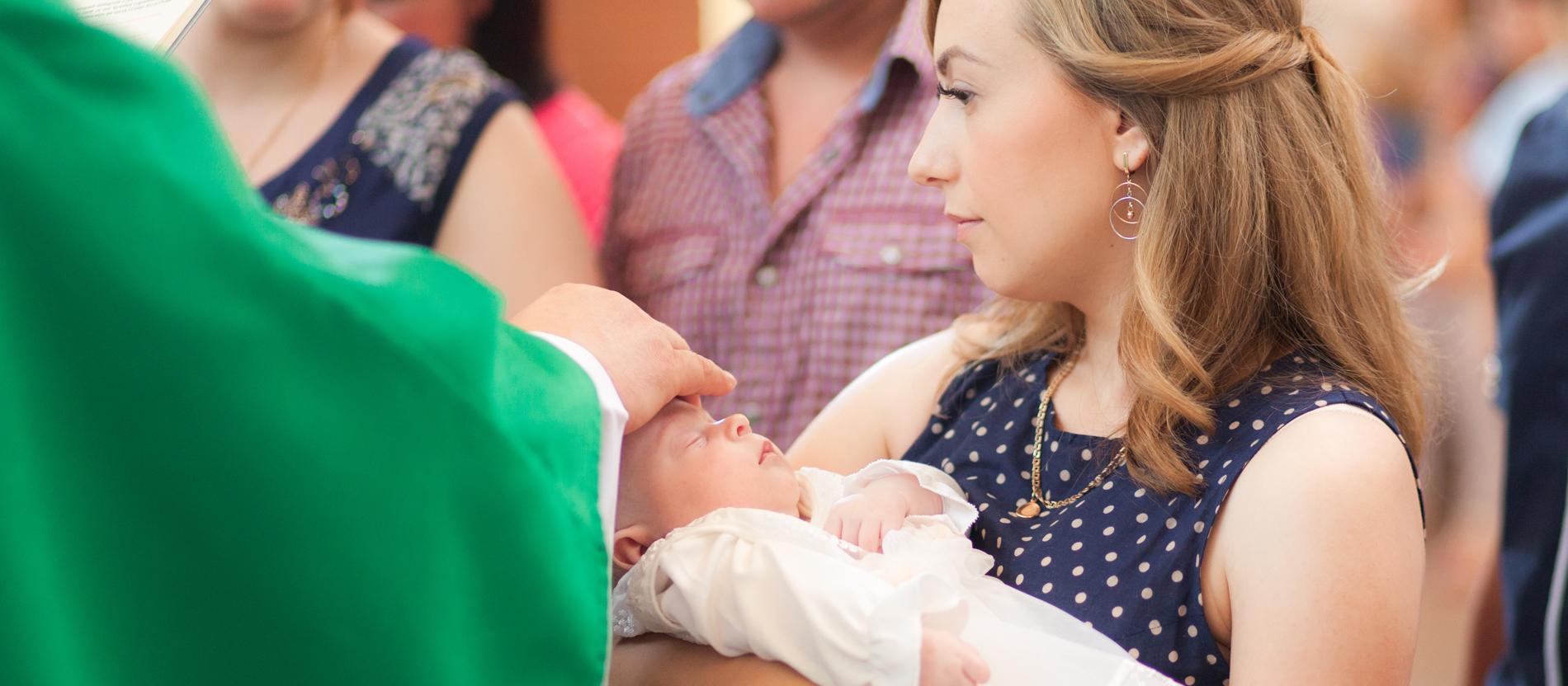 Paten Bezugspersonen In Der Taufe Katholischde