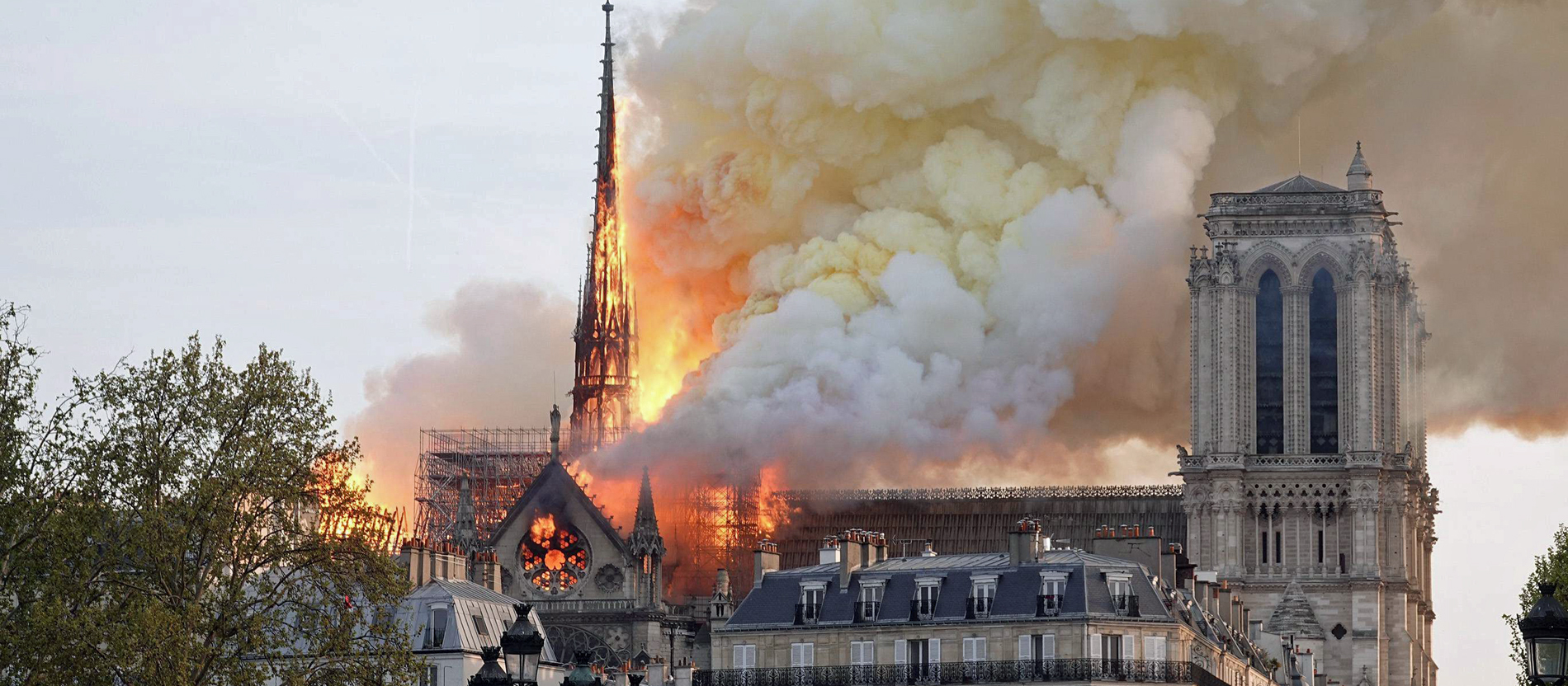 Kathedrale Notre Dame Brennt